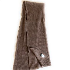 J. Crew Knitted Scarf 65x22 Light brown/tan